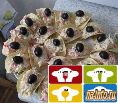 Салат на чипсах с крабовыми палочками рецепт